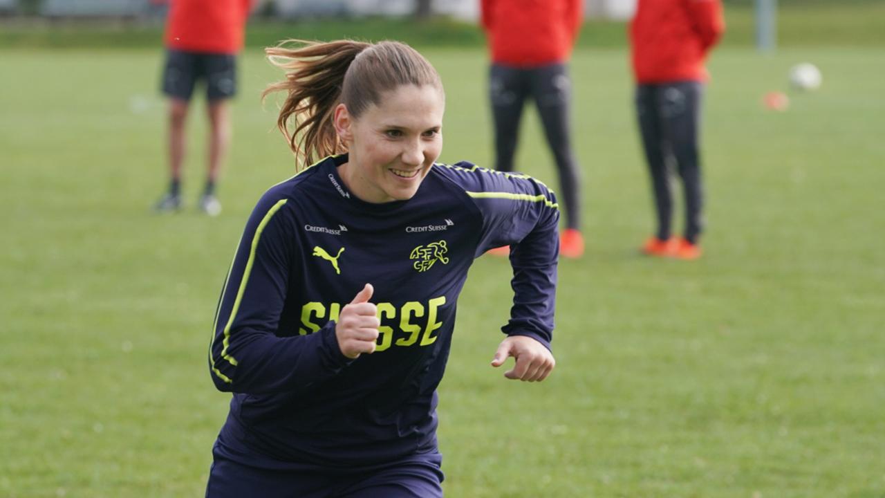 Sandrine Mauron komplettiert das Schweizer Aufgebot gegen Italien